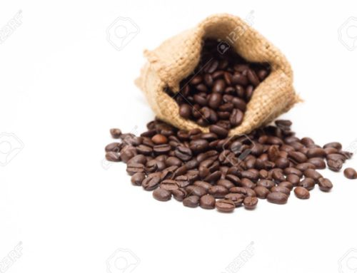 Consumo de café y menor riesgo de caidas en adultos mayores